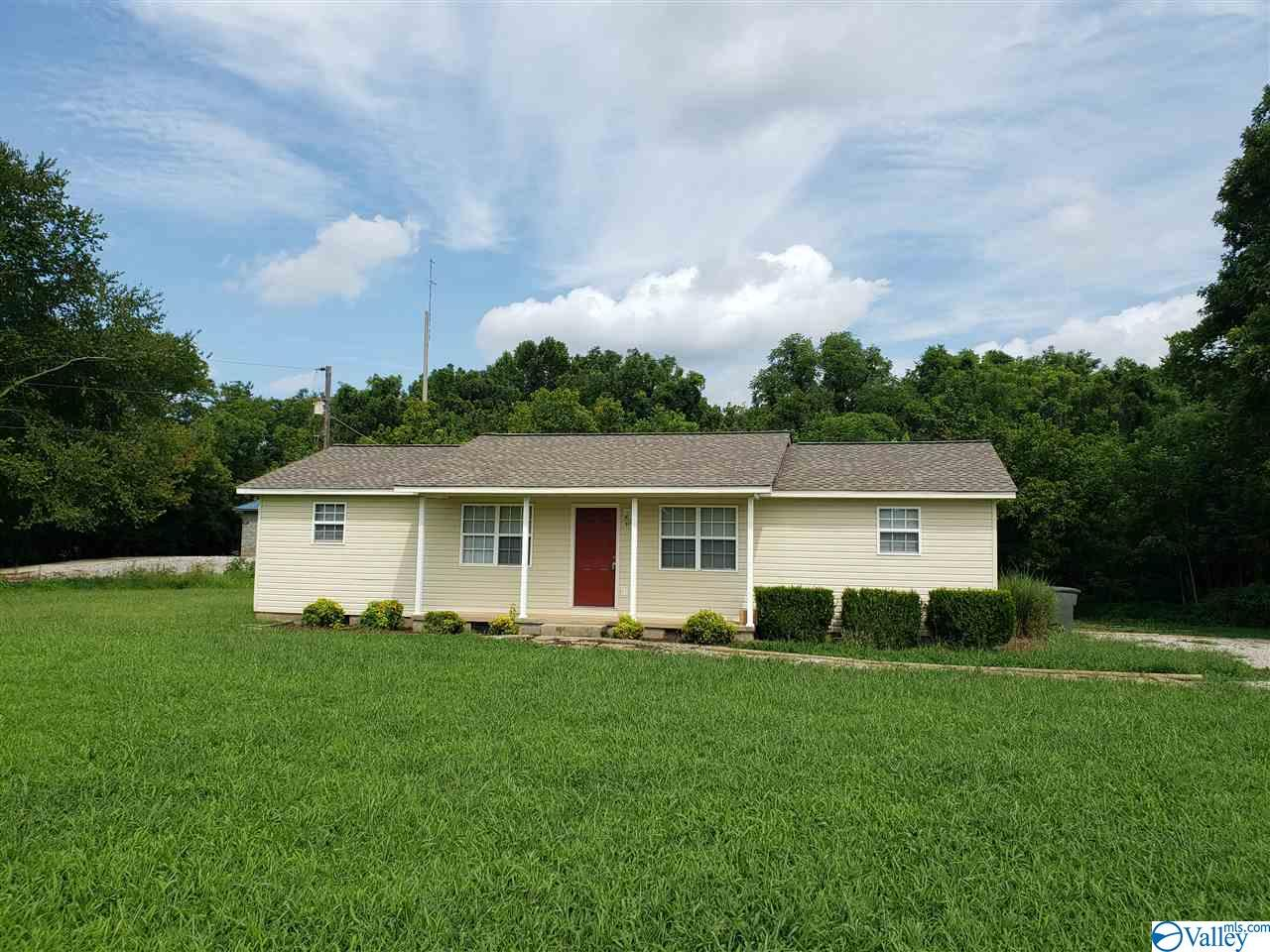 Photo of home for sale at 997 Slaughter Road, Madison AL