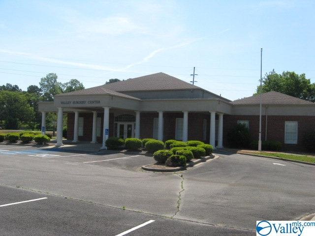 Photo of home for sale at 4819 Huntsville Road, Florence AL