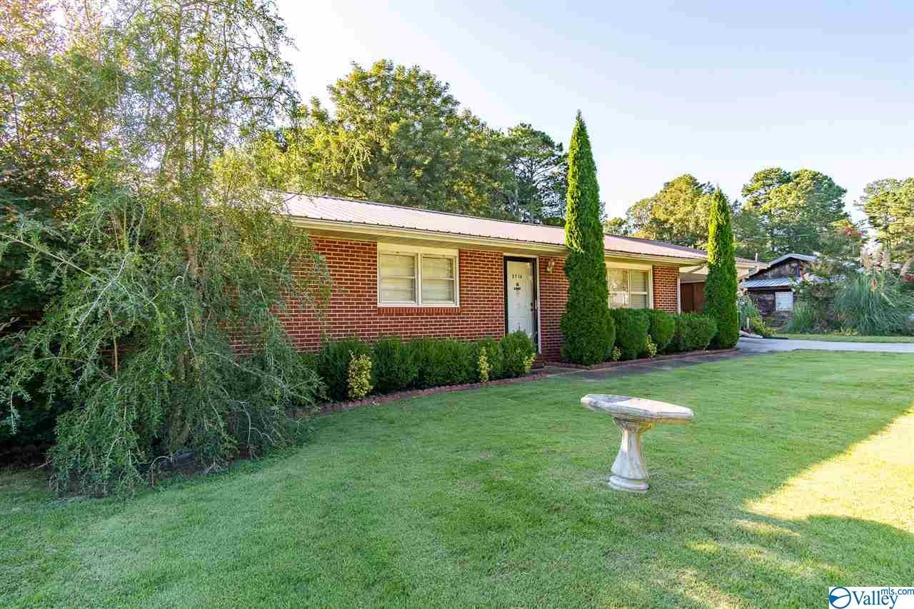Photo of home for sale at 2718 Newburg Road, Haleyville AL