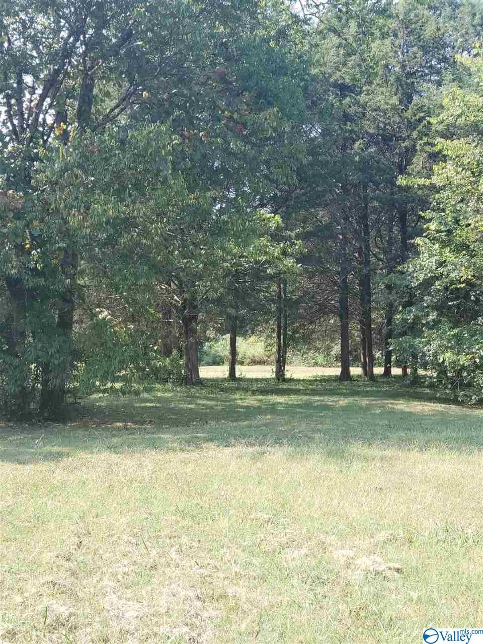 Photo of home for sale at 6417 Green Meadow Road, Huntsville AL