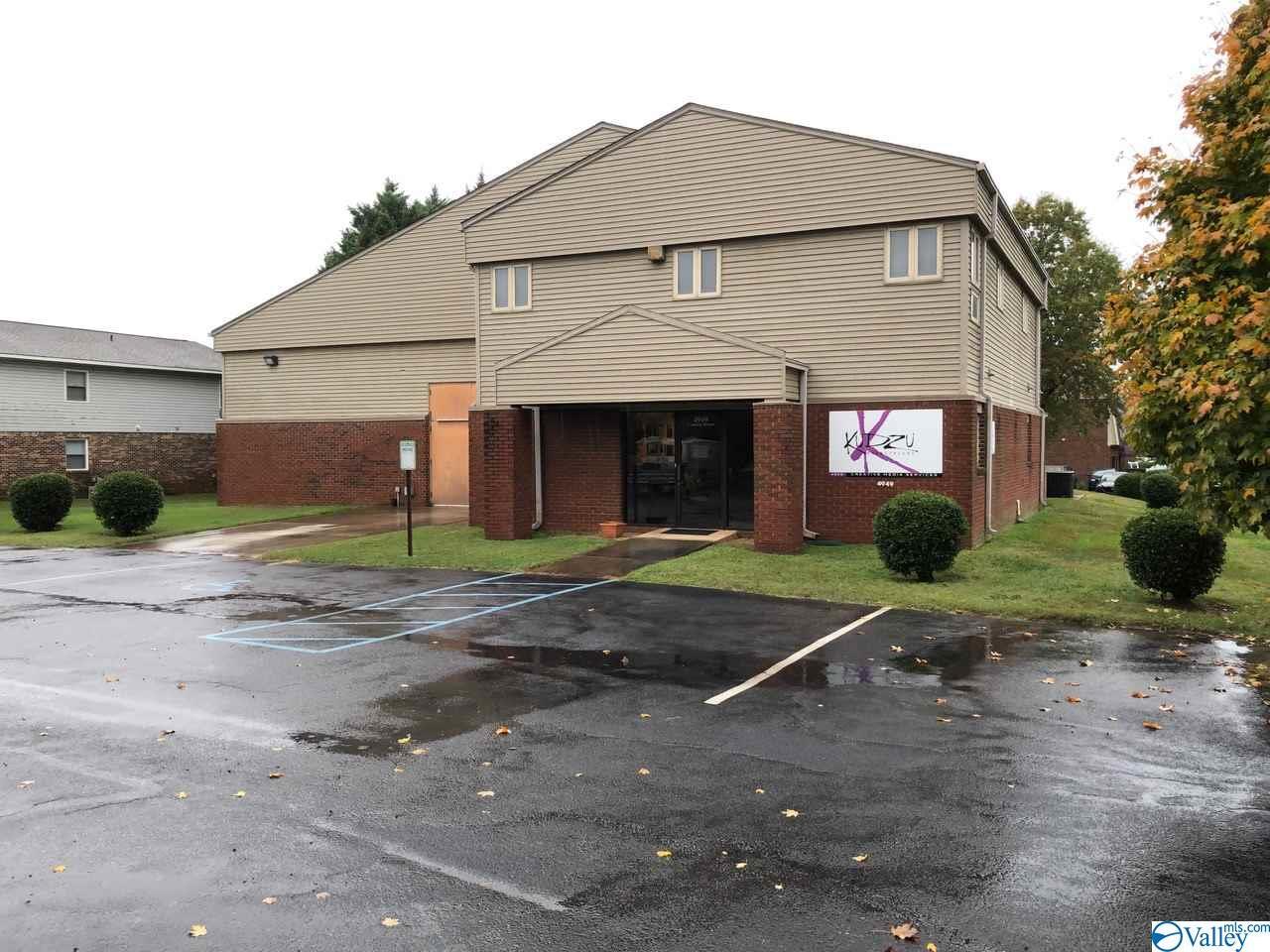 Photo of home for sale at 4949 Century Street, Huntsville AL