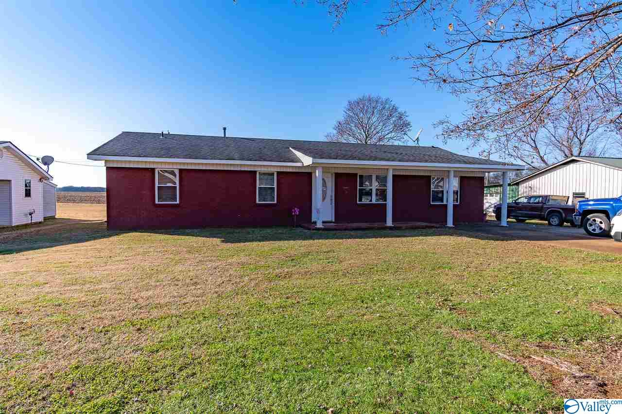 Photo of home for sale at 89 Tana Avenue, Courtland AL