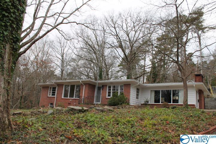 Photo of home for sale at 106 Rainbow Drive, Fort Payne AL