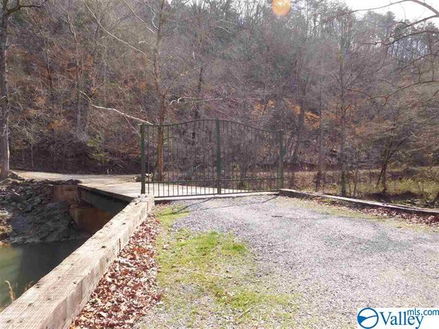 Photo of home for sale at 5091 County Road 97, Gaylesville AL