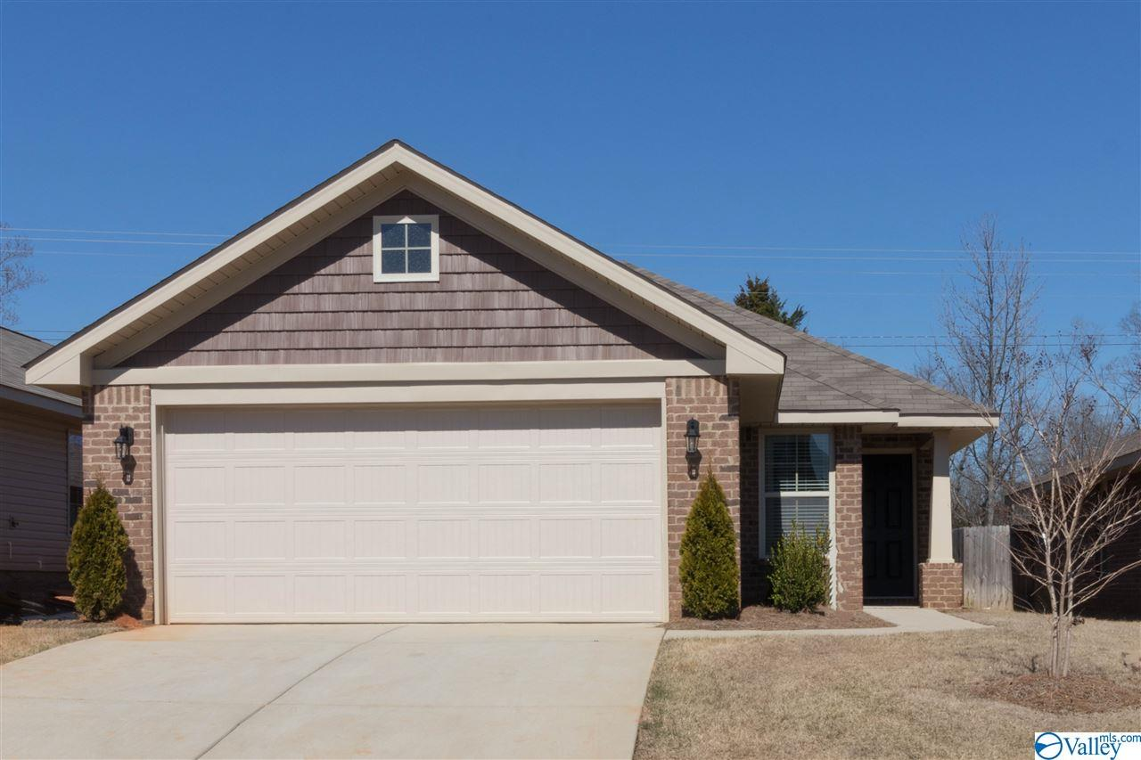 Photo of home for sale at 186 Tybee Drive, Madison AL