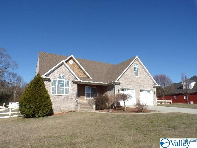 Photo of home for sale at 445 Drew Drive, Hollywood AL