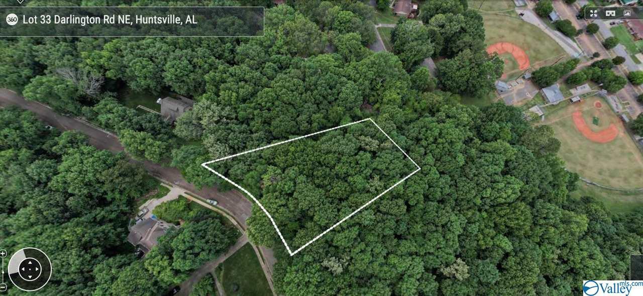 Photo of home for sale at 34 Darlington Road, Huntsville AL