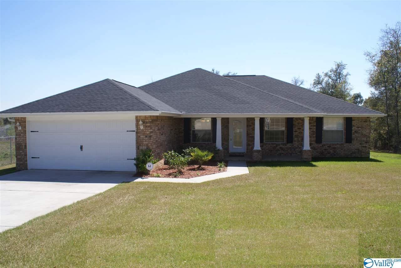 Photo of home for sale at 155 Legacy Trace Drive, Huntsville AL