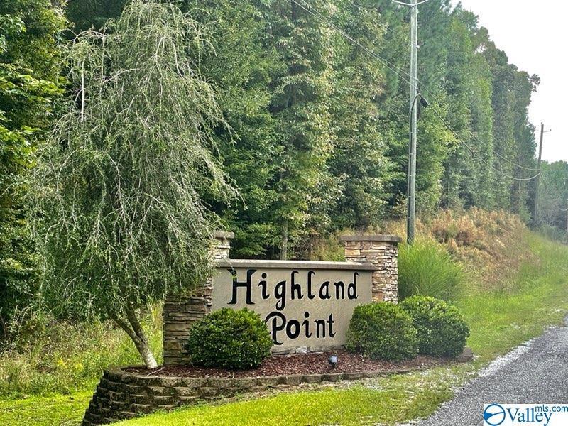 Photo of home for sale at 1 Meadow Creek Lane, Glencoe AL