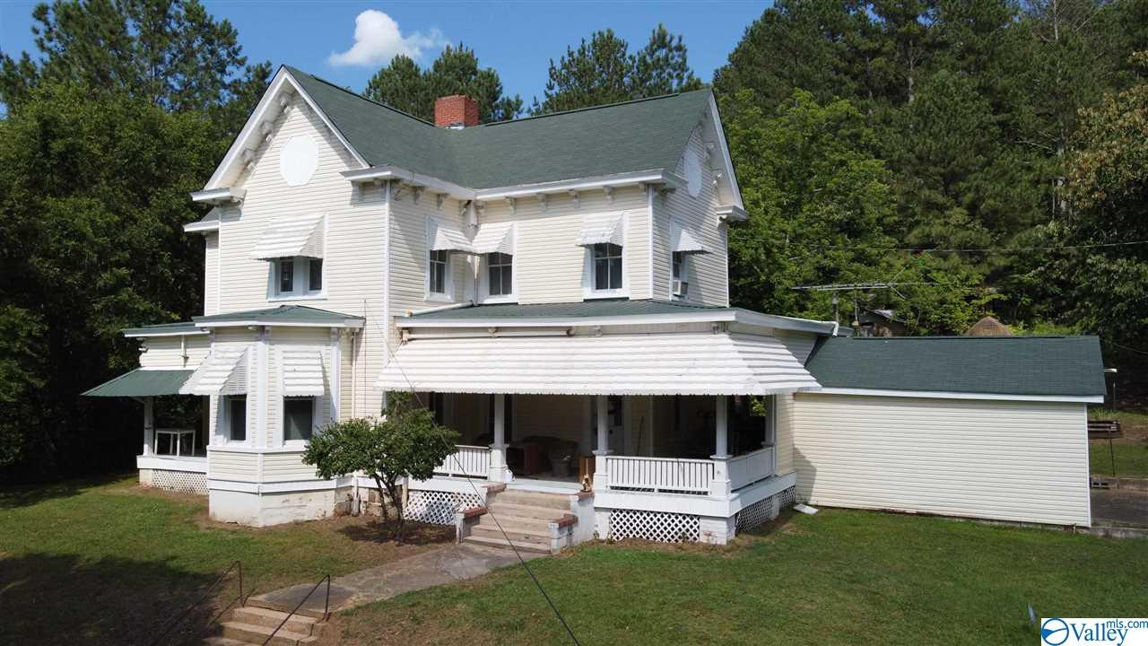 Photo of home for sale at 6490 County Road 29, Piedmont AL