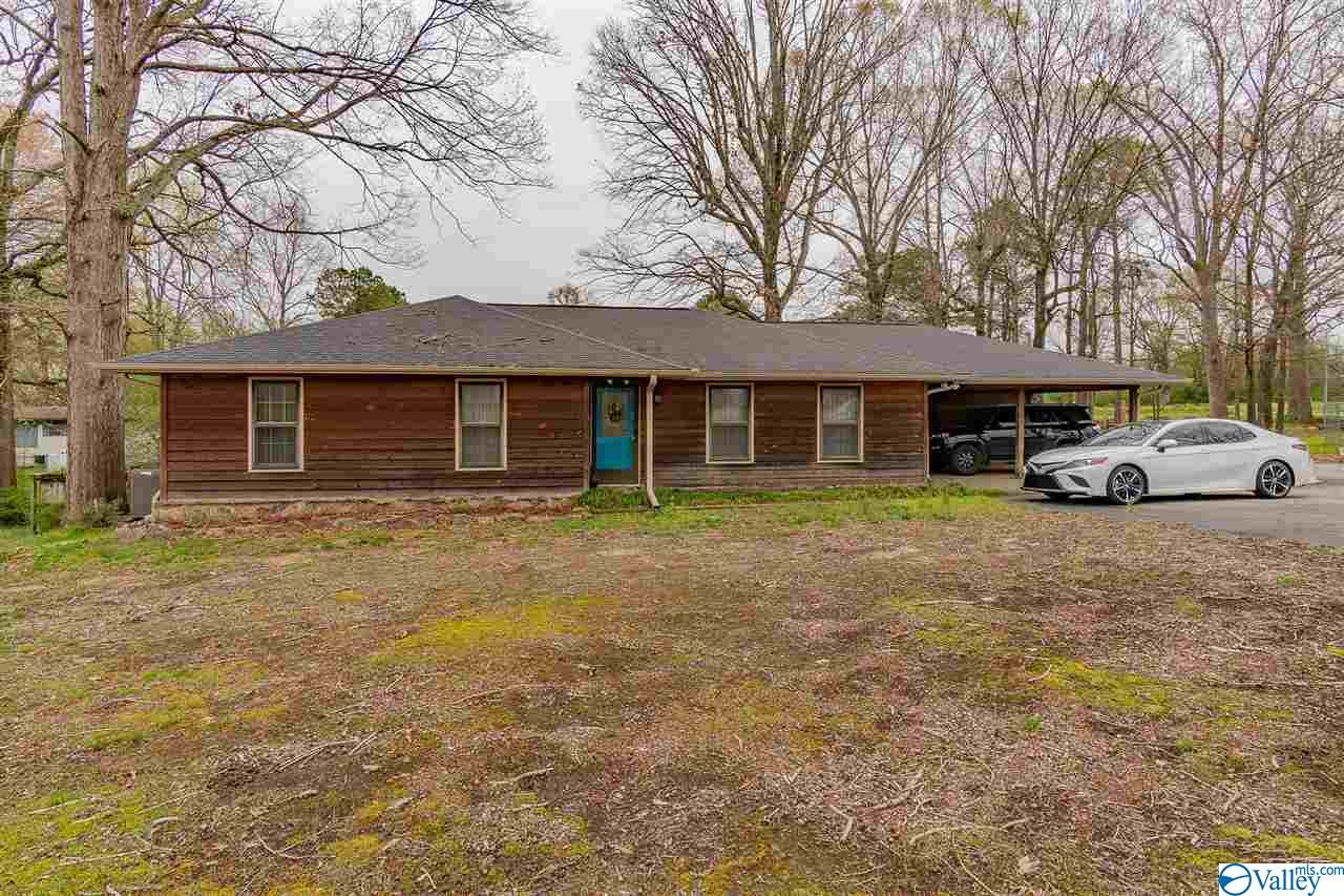 Photo of home for sale at 7704 County Road 108, Town Creek AL