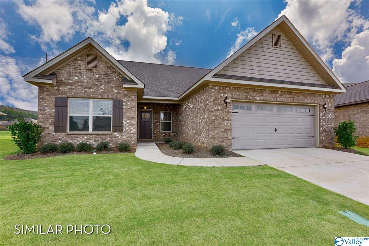 Photo of home for sale at 334 Fenrose Drive, Harvest AL