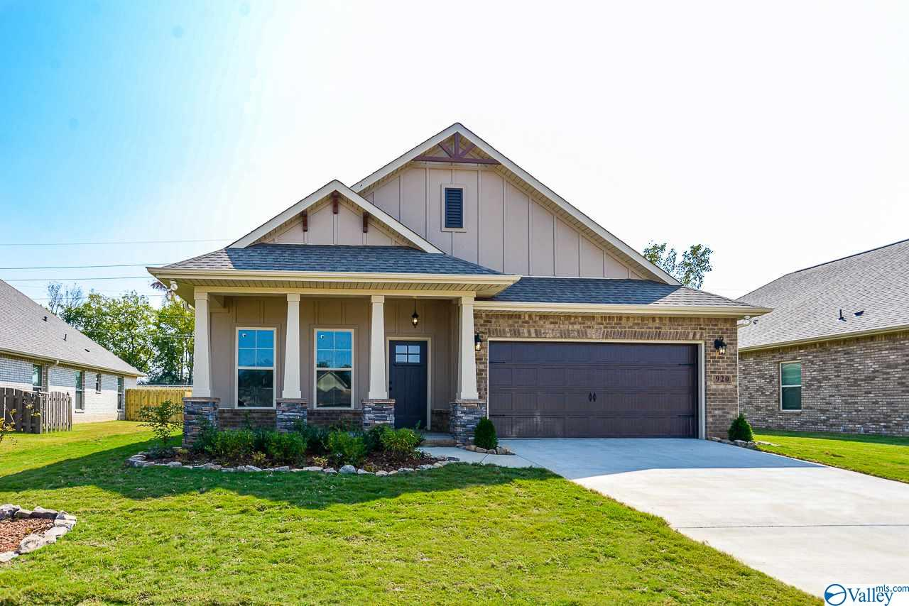 Photo of home for sale at 920 Park Place, Athens AL
