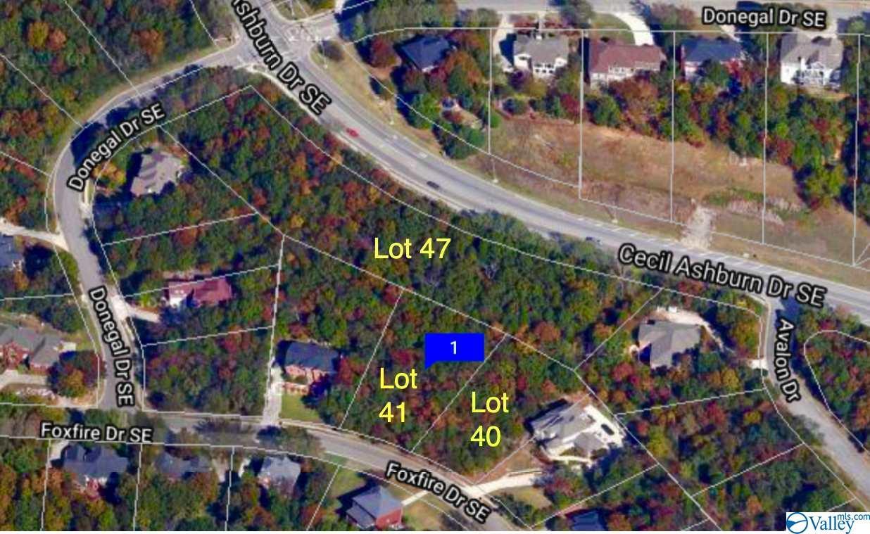 Photo of home for sale at 7717 Foxfire Drive, Huntsville AL