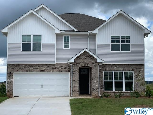 Photo of home for sale at 195 Cherry Laurel Drive, Hazel Green AL