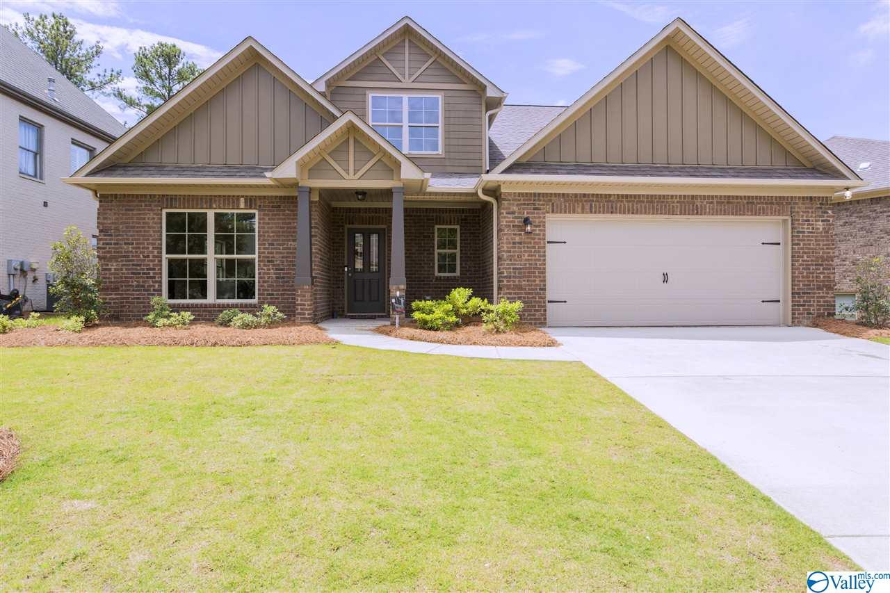 Photo of home for sale at 810 Chesire Cove Lane, New Market AL