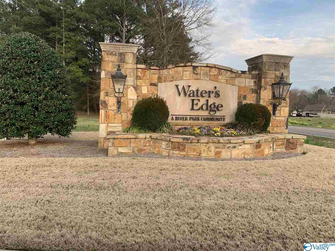 Photo of home for sale at 290 Copper Leaf Walk, Gadsden AL