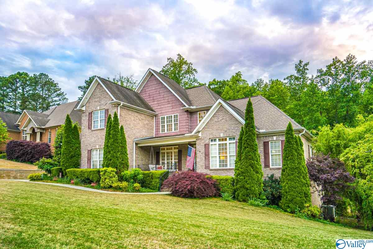 Photo of home for sale at 108 Collington Place, Madison AL