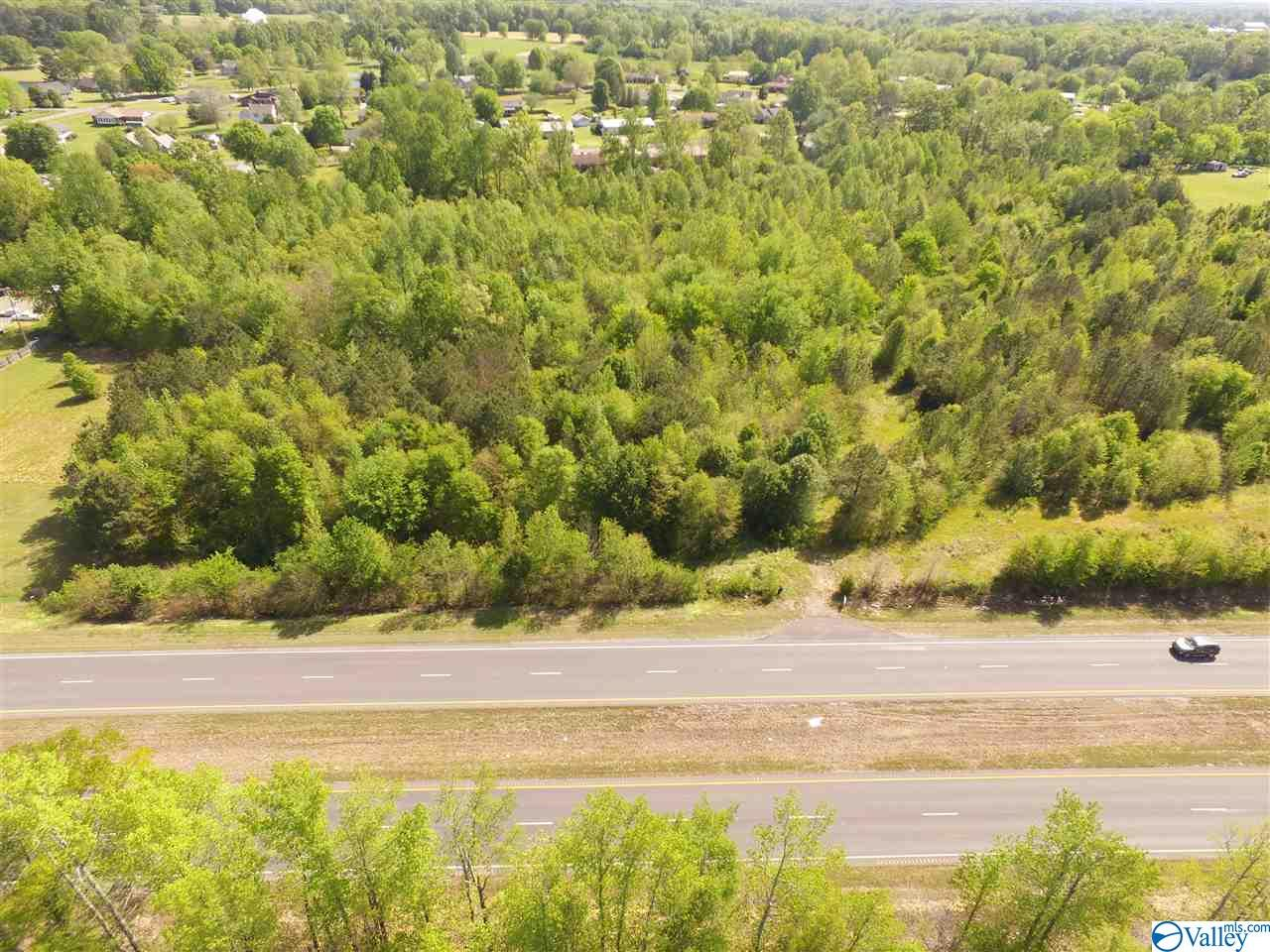 Photo of home for sale at 12700 US Highway 431, Boaz AL