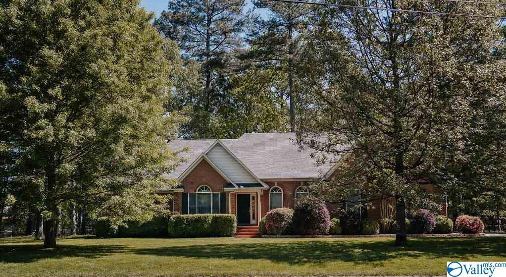 Photo of home for sale at 105 Phantom Drive, Toney AL