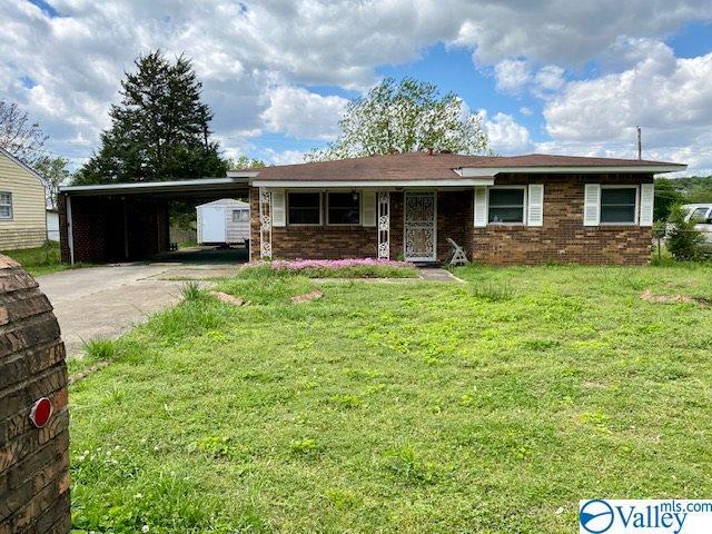 Photo of home for sale at 3819 Crane Drive, Huntsville AL
