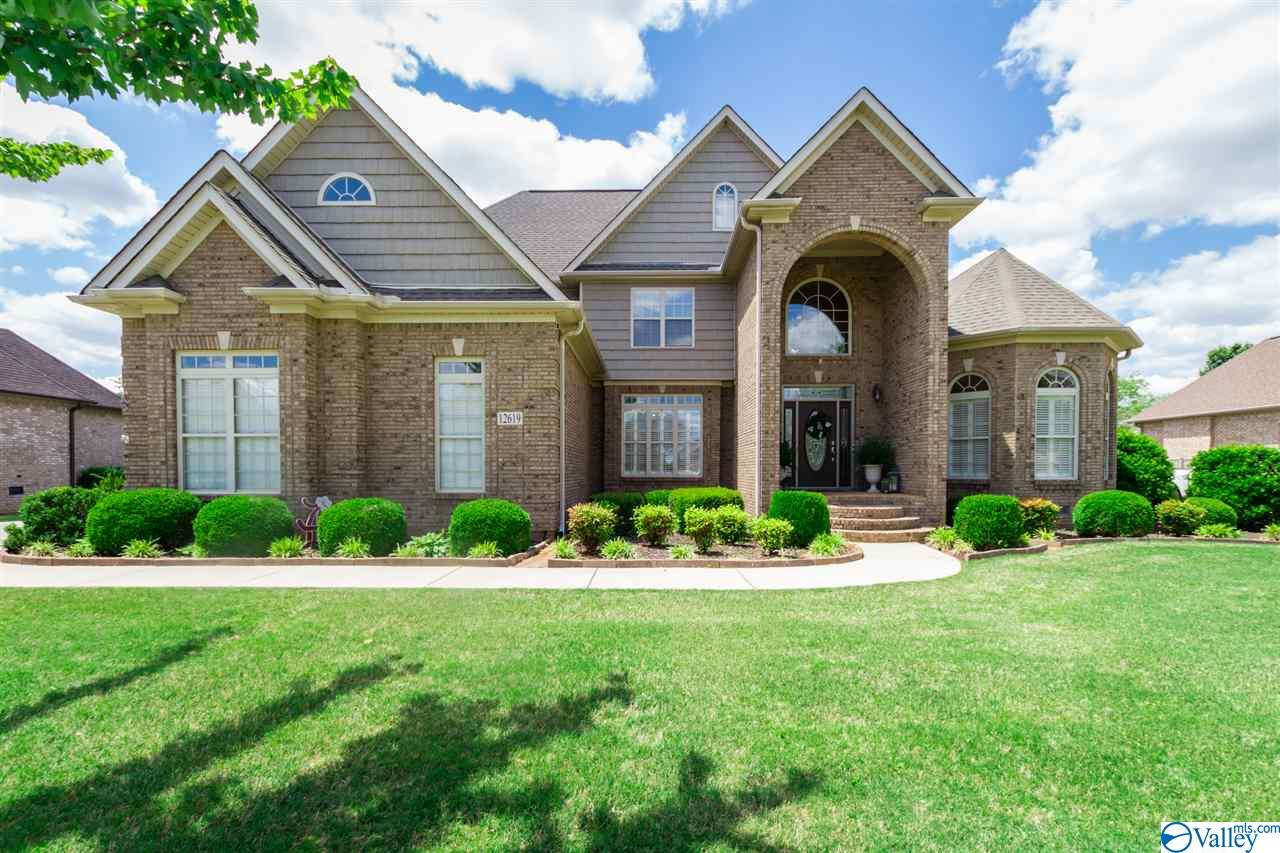 Photo of home for sale at 12619 Elmhurst Drive, Athens AL