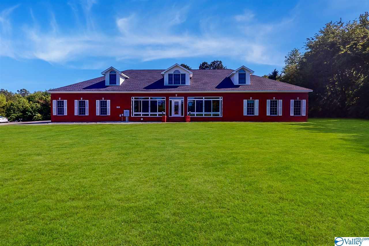 Photo of home for sale at 564 Harvest Road, Harvest AL