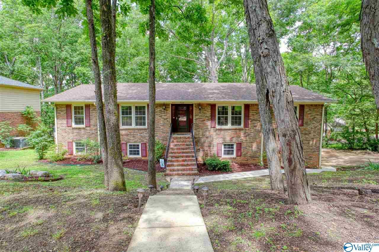 Photo of home for sale at 7700 Foxfire Drive, Huntsville AL