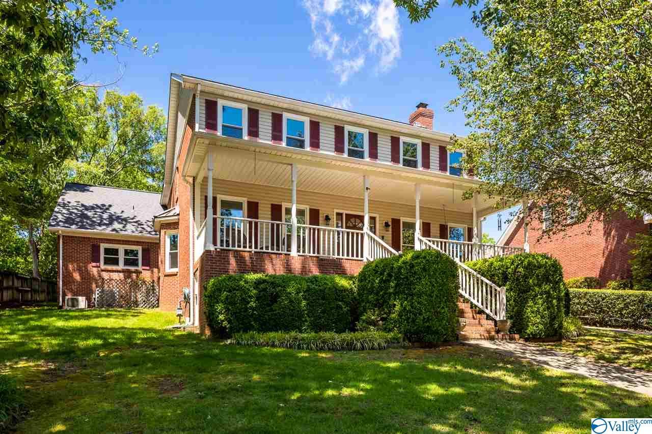 Photo of home for sale at 114 Dreger Avenue, Huntsville AL
