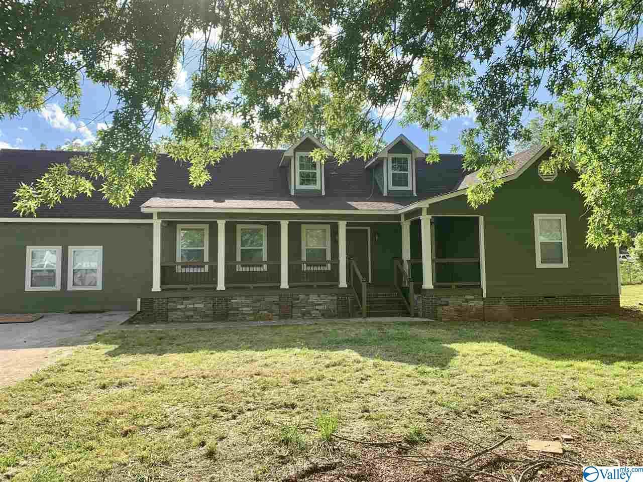 Photo of home for sale at 11473 Pulaski Pike, Toney AL