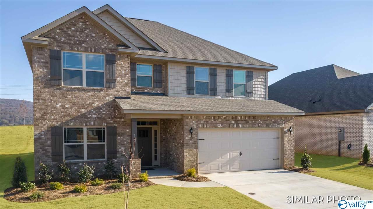 Photo of home for sale at 146 Saddle Street, New Market AL