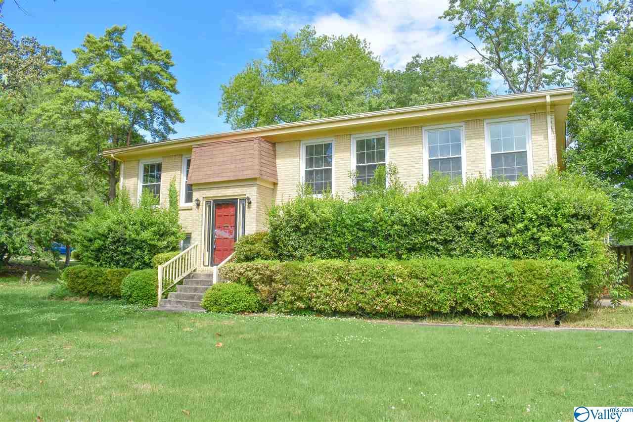 Photo of home for sale at 7735 Mallard Road, Huntsville AL