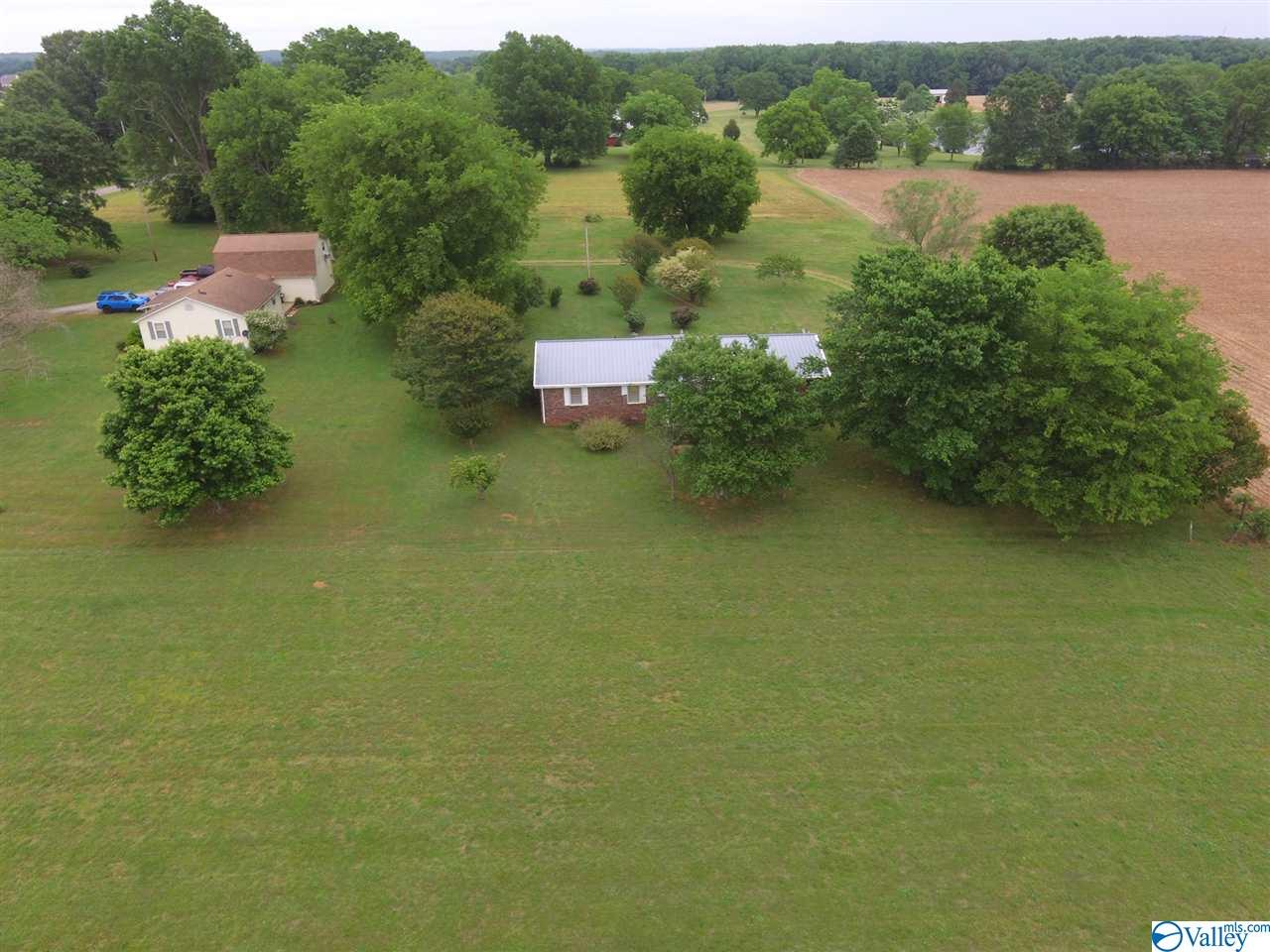Photo of home for sale at 44 County Road 643, Florence AL