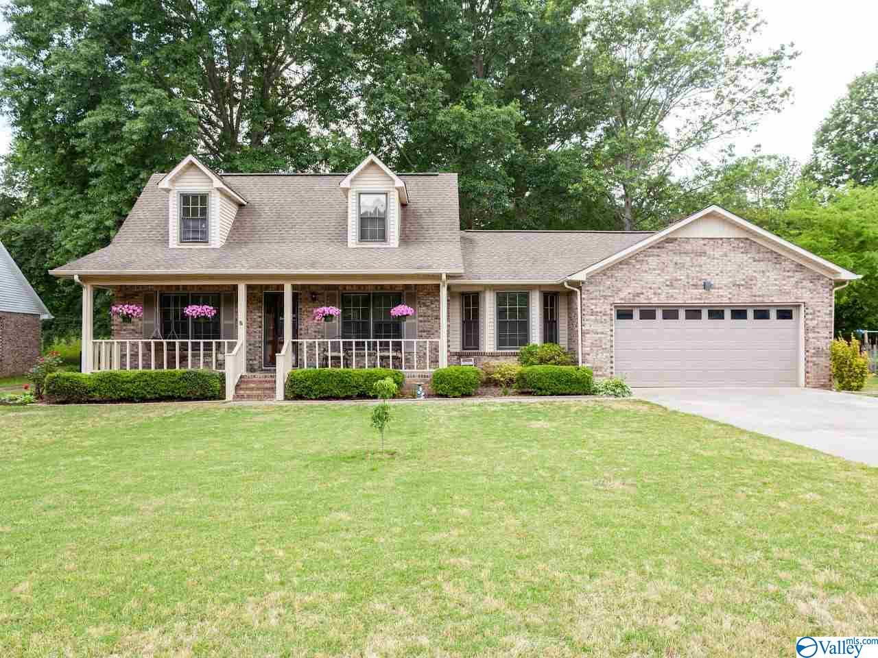 Photo of home for sale at 132 Steele Drive, Madison AL