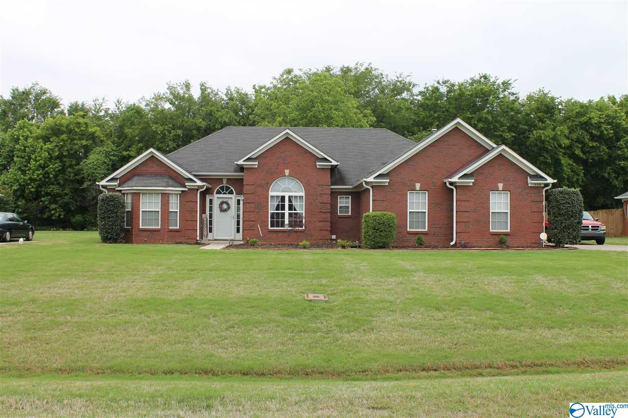 Photo of home for sale at 110 Rustic Cedar Lane, Madison AL