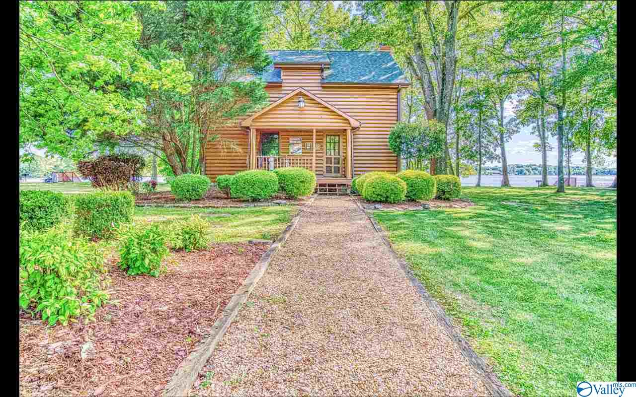 Photo of home for sale at 145 County Road 314, Town Creek AL