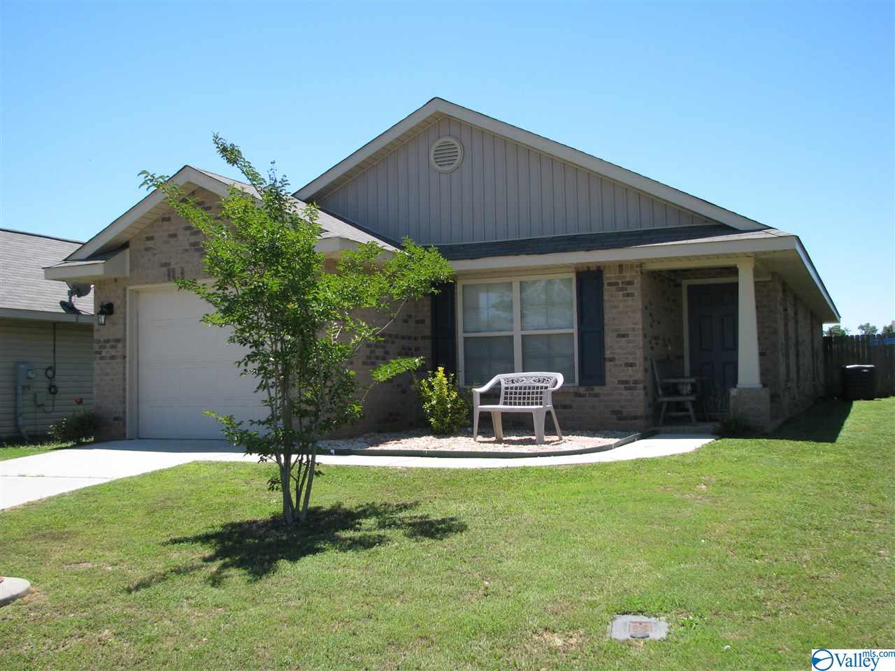 Photo of home for sale at 28152 Kawana Court, Harvest AL