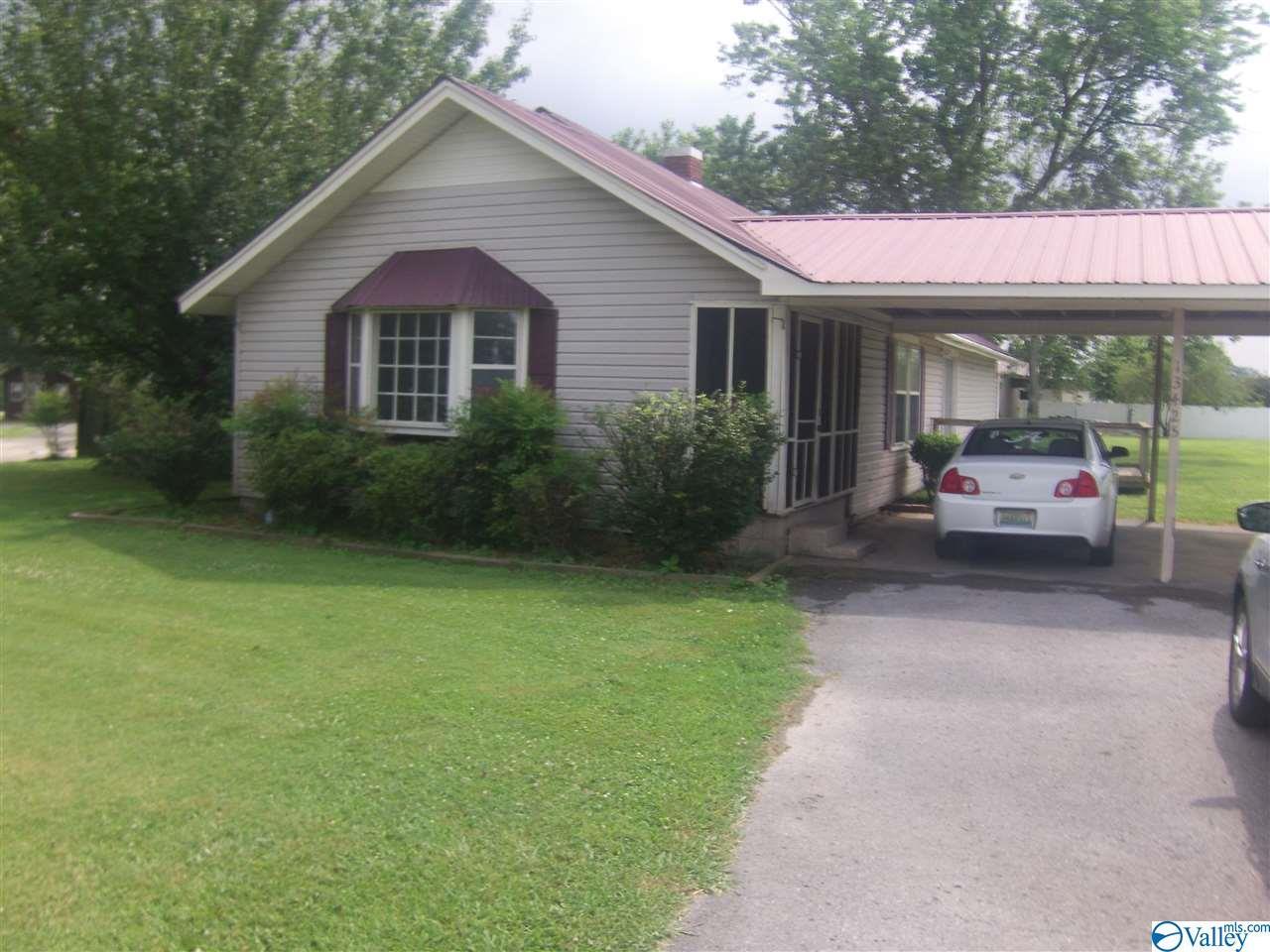 Photo of home for sale at 13425 Al Highway 227, Geraldine AL