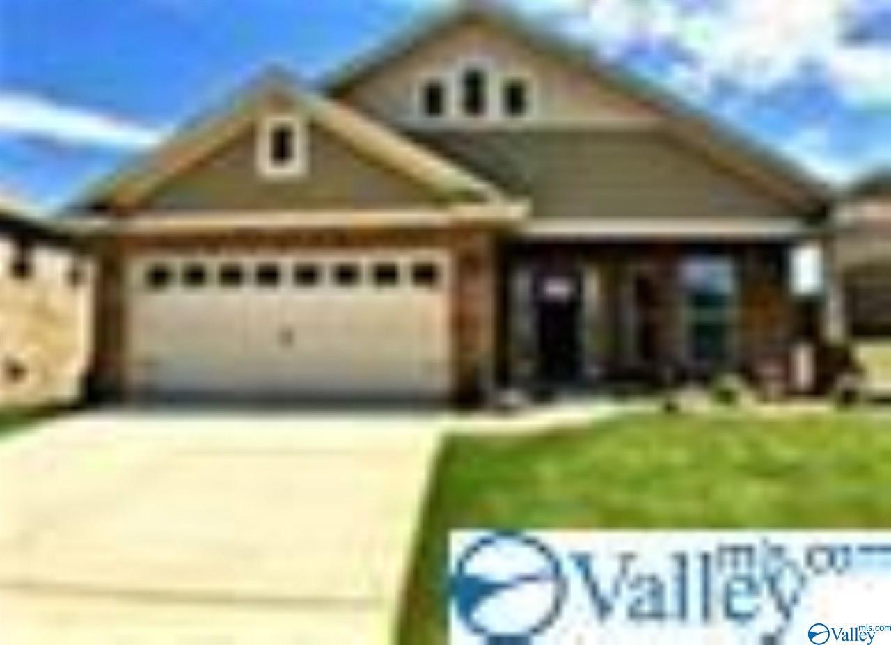 Photo of home for sale at 211 Properzi Way, Huntsville AL
