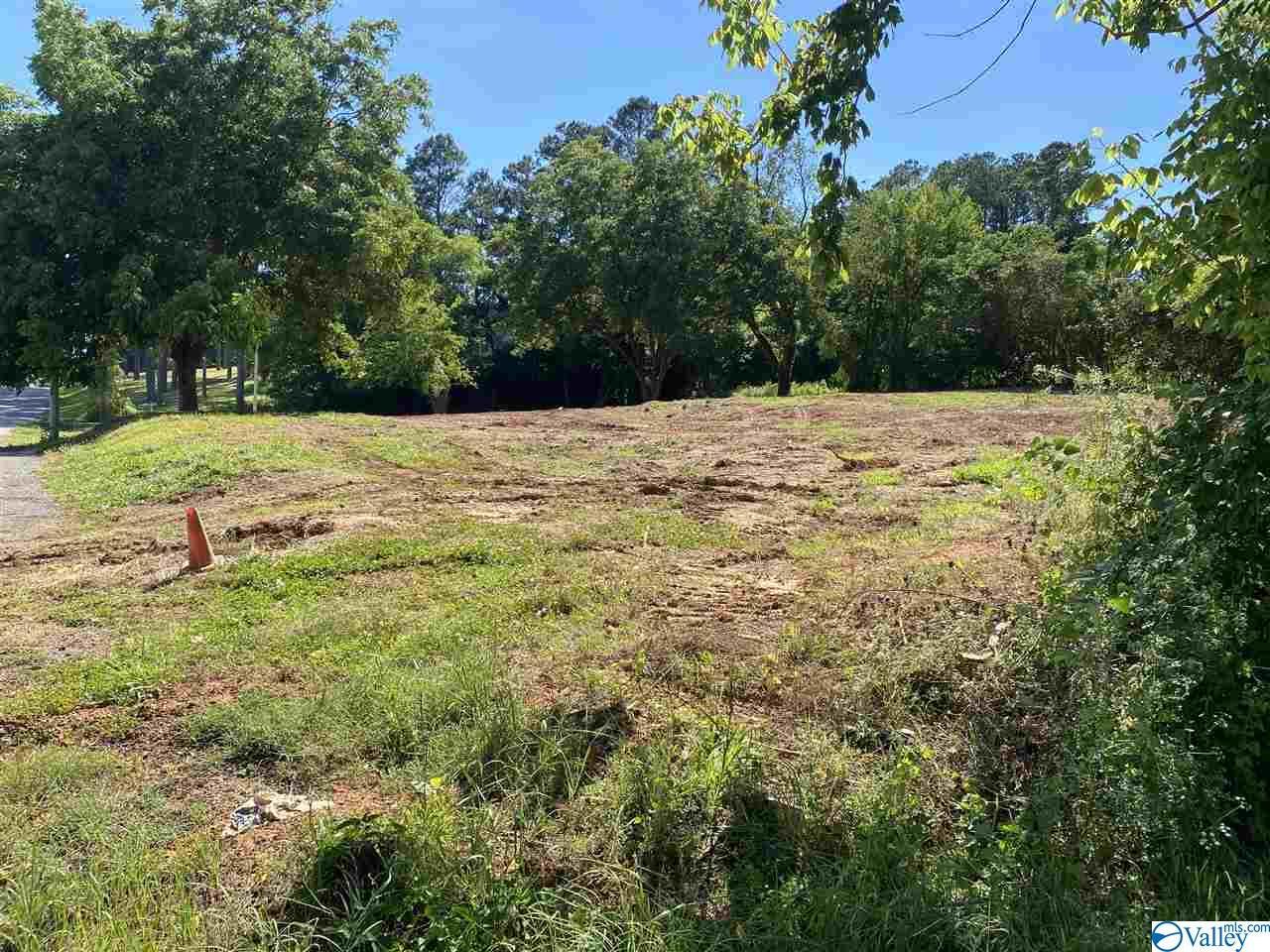 Photo of home for sale at 6 lots Obrig Avenue, Guntersville AL
