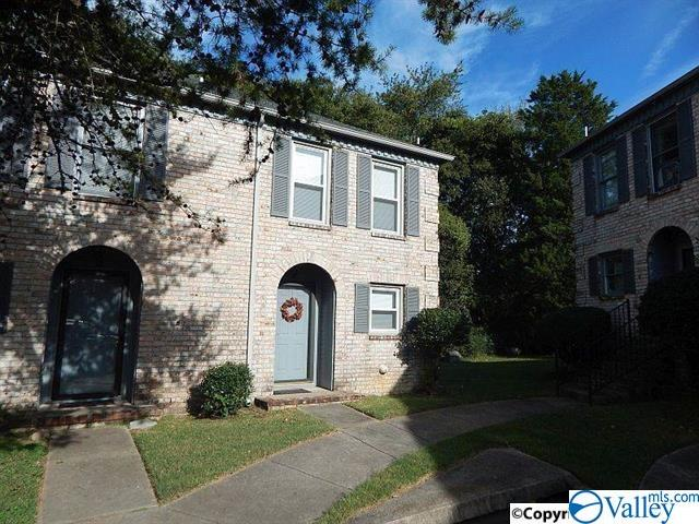 Photo of home for sale at 230 Marinawoods Drive, Huntsville AL