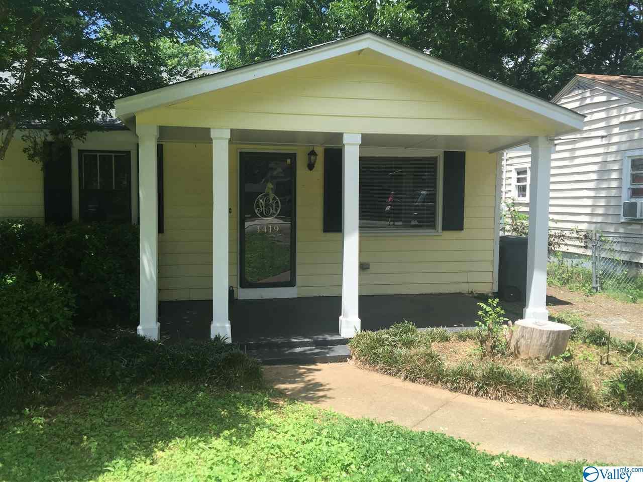 Photo of home for sale at 1419 Stevens Avenue, Huntsville AL