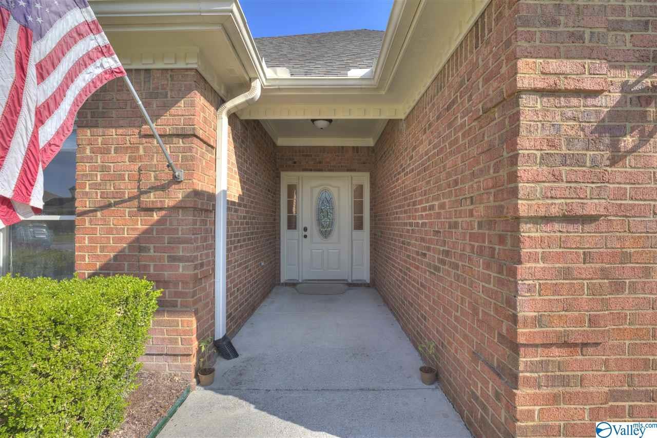 Photo of home for sale at 15069 Ashmont Blvd SE, Huntsville AL