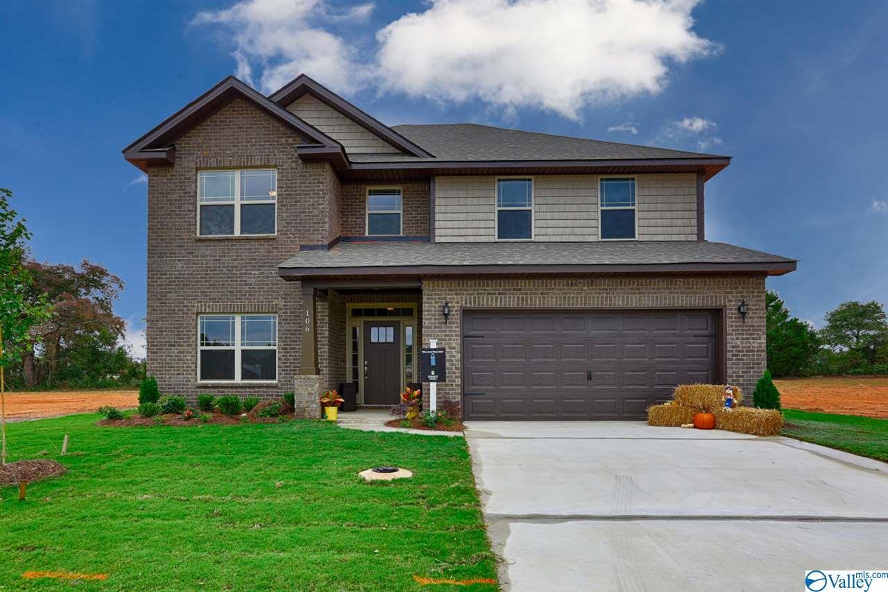 Photo of home for sale at 16330 Trestle Street, Huntsville AL