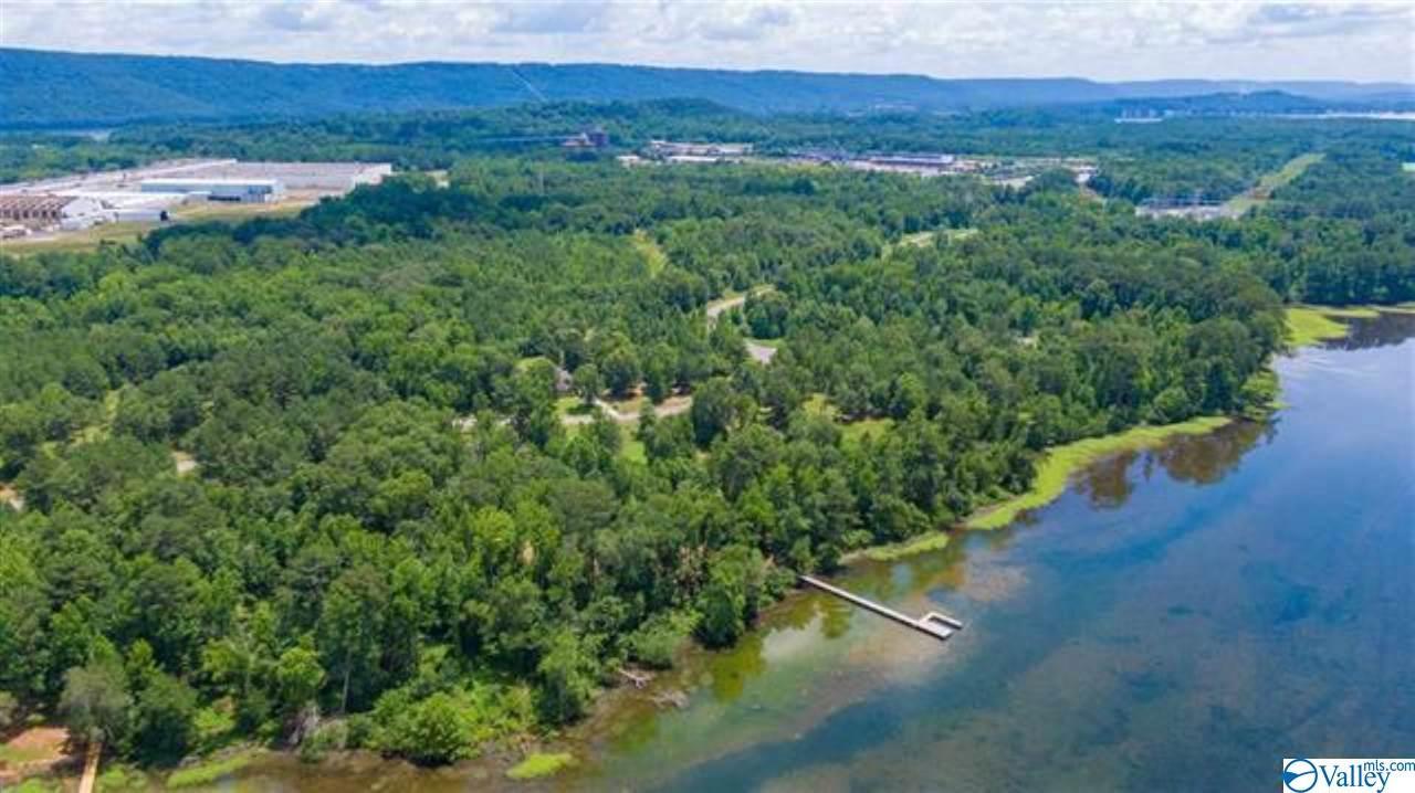 Photo of home for sale at 0 Goose Pond Island Drive, Scottsboro AL