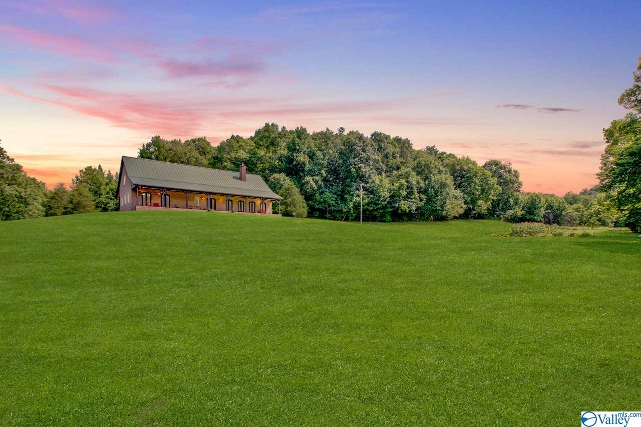 Photo of home for sale at 1325 Black Road, Prospect TN