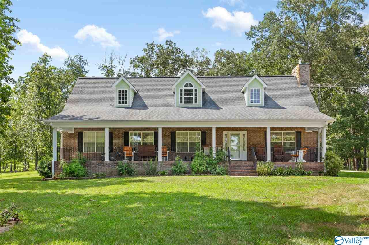 Photo of home for sale at 469 County Road 732, Bryant AL
