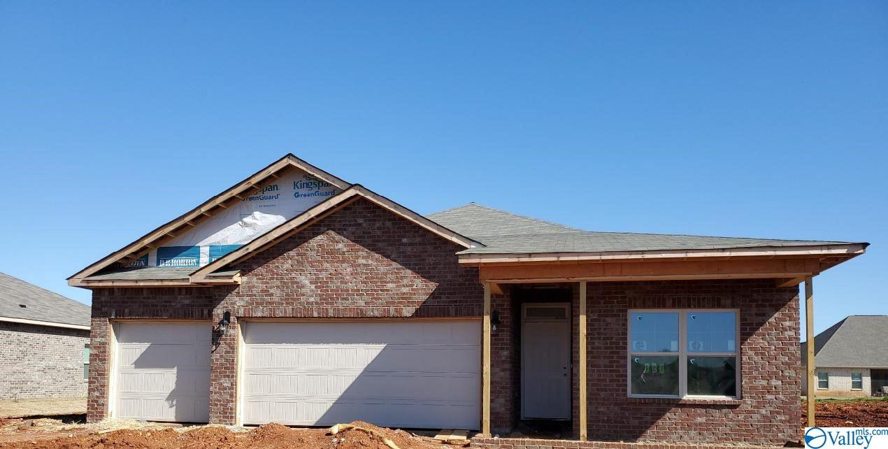 Photo of home for sale at 127 Creek Ridge Drive, Meridianville AL
