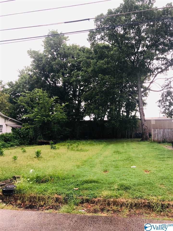 Photo of home for sale at 708 Cross Street, Huntsville AL