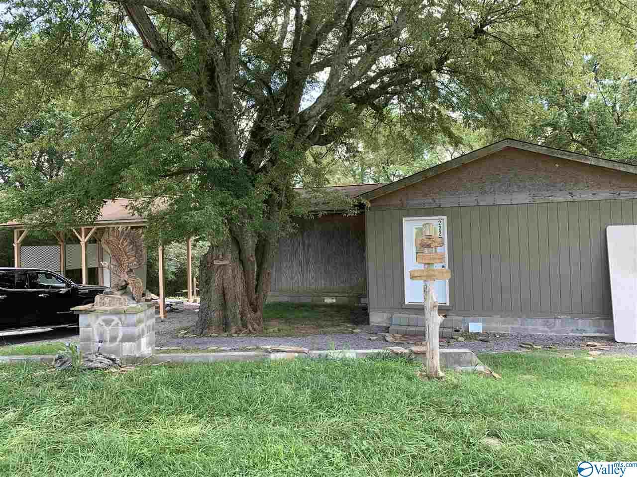 Photo of home for sale at 2222 Martling Gap Road, Albertville AL